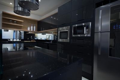 Cozinha Preta- combinando elegância com funcionalidade.